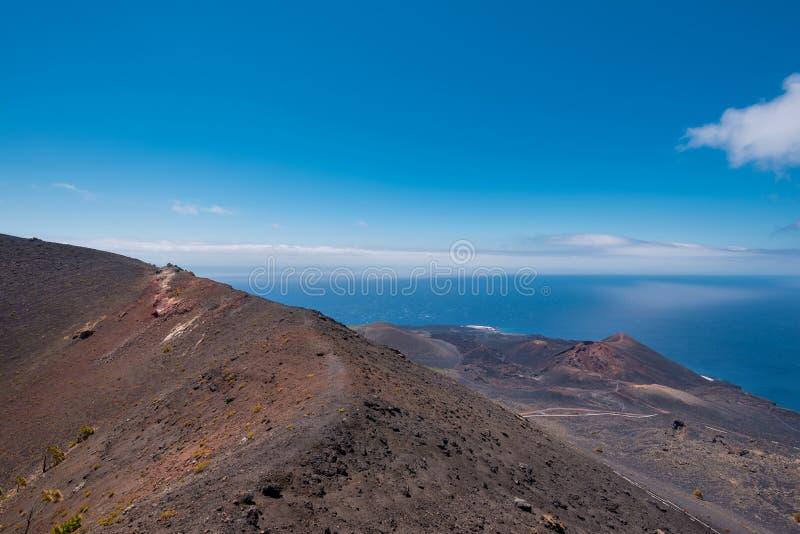 Vulcão de San Antonio e de Teneguia na ilha de Palma do La foto de stock