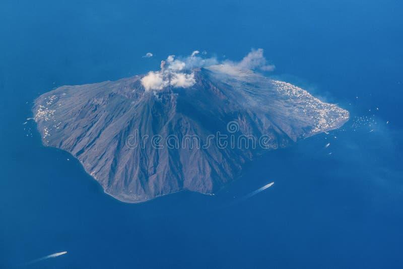 Vulcão de Stromboli, Sicília fotos de stock royalty free