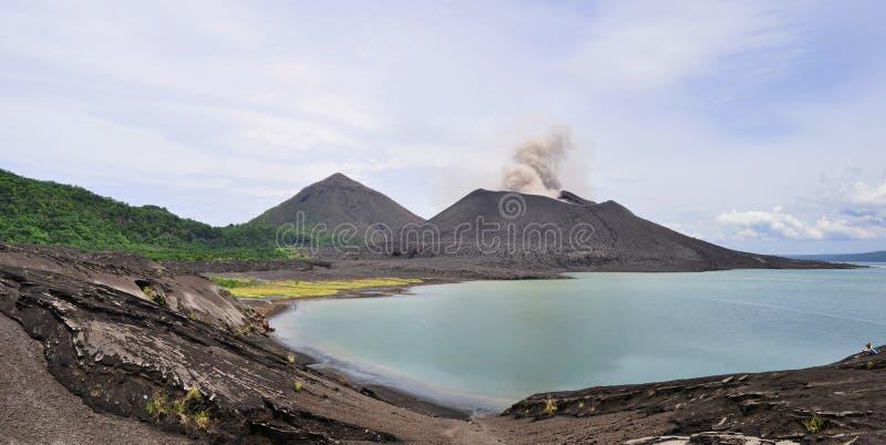 Vulcão de Tavurvur fotos de stock royalty free