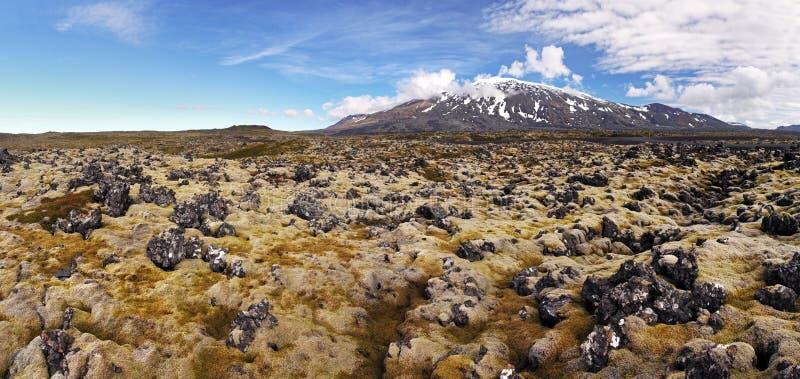 Vulcão em Islândia ocidental com campo de lava - Snaefellsjokull imagens de stock