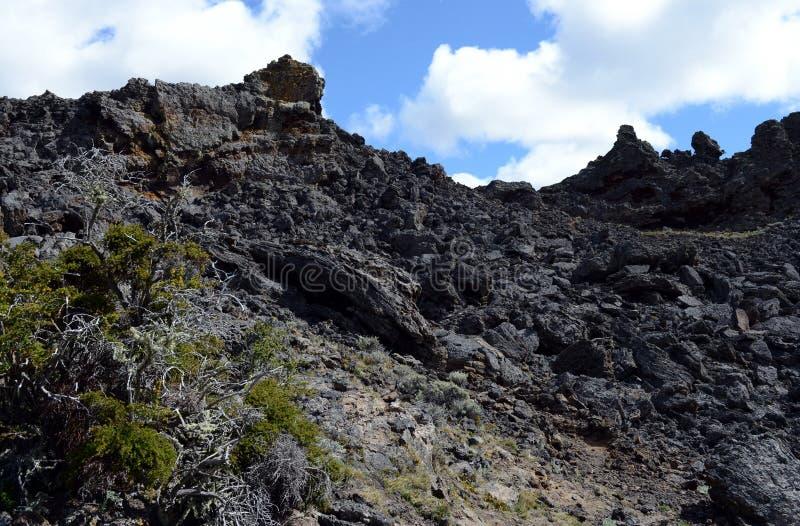 Vulcão extinto o domicílio do diabo no parque nacional Pali Aike no sul do Chile imagem de stock