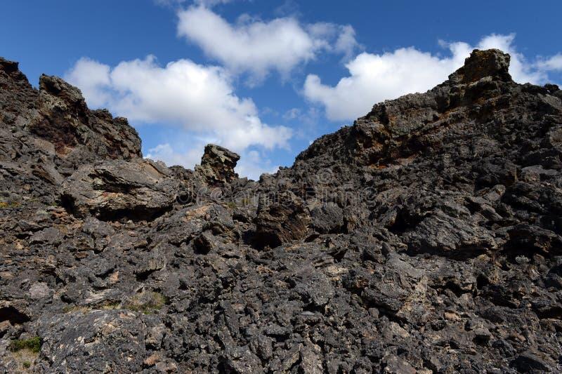 Vulcão extinto o domicílio do diabo no parque nacional Pali Aike no sul do Chile fotos de stock