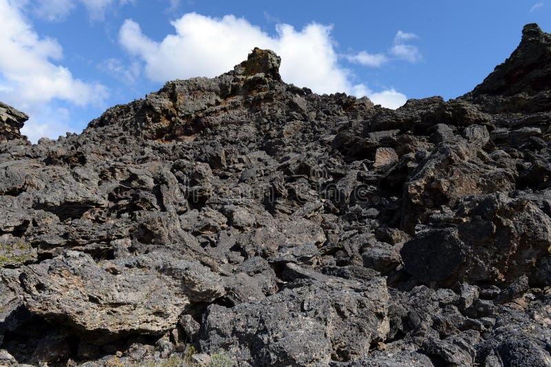 Vulcão extinto o domicílio do diabo no parque nacional Pali Aike no sul do Chile fotografia de stock
