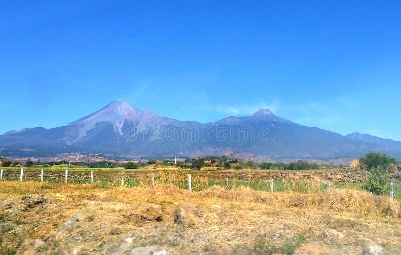 Vulcani del Colima immagine stock