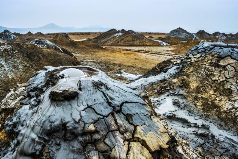 Vulcani del fango di Gobustan immagini stock