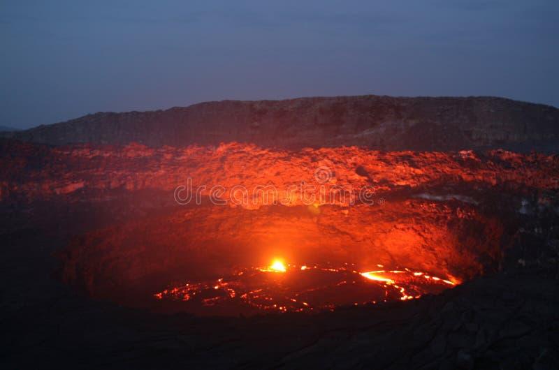 Vulcano all'alba fotografia stock