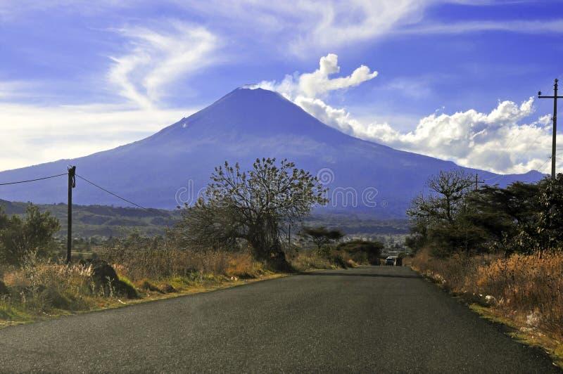 Vulcano d'avvicinamento di Popocatepetl, Messico fotografia stock libera da diritti