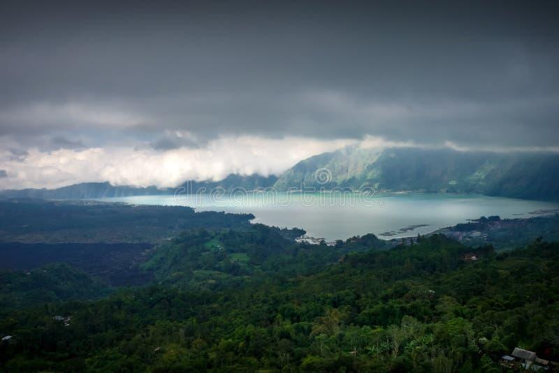Vulcano del batur di Gunung e lago, Bali, Indonesia immagini stock libere da diritti