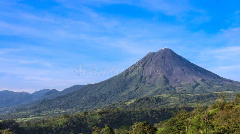 Vulcano di Arenal in Costa Rica fotografia stock libera da diritti