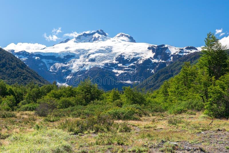 Vulcano di Cerro Tronador, parco nazionale di Nahuel Huapi, Argentina fotografia stock