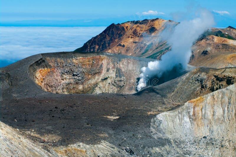 Vulcano di Ebeko, isola di Paramushir, Russia fotografie stock