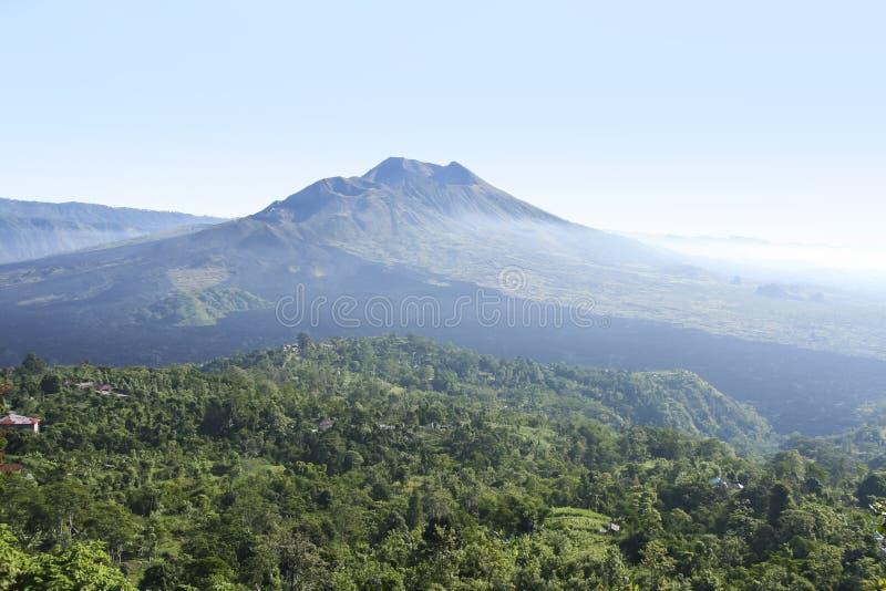 Vulcano di Kintamani e batur Bali del lago fotografia stock