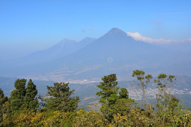 Vulcano di Pacaya vicino all'Antigua Guatemala fotografia stock