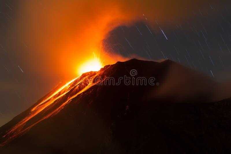 Vulcano Ecuador di Tungurahua fotografia stock libera da diritti