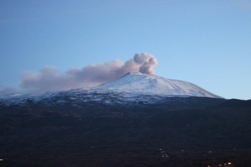 vulcano Etna的爆发 库存照片