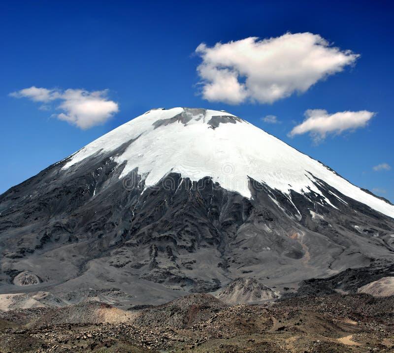 Download Vulcano Parinacota - Chile stock photo. Image of clouds - 17508650