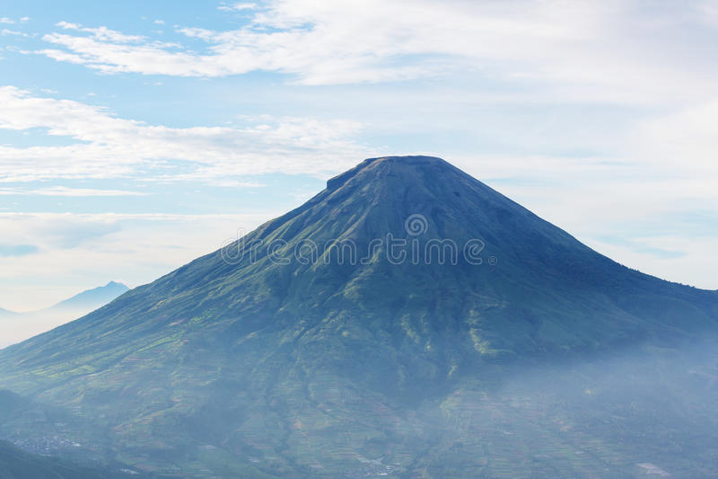 Vulkaan in Indonesië royalty-vrije stock foto