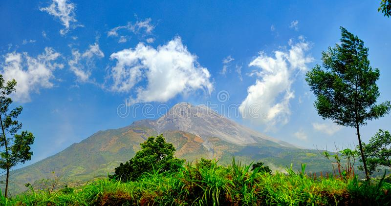 Vulkaan van Merapi in Centraal Java, Indonesië 2012 stock afbeeldingen