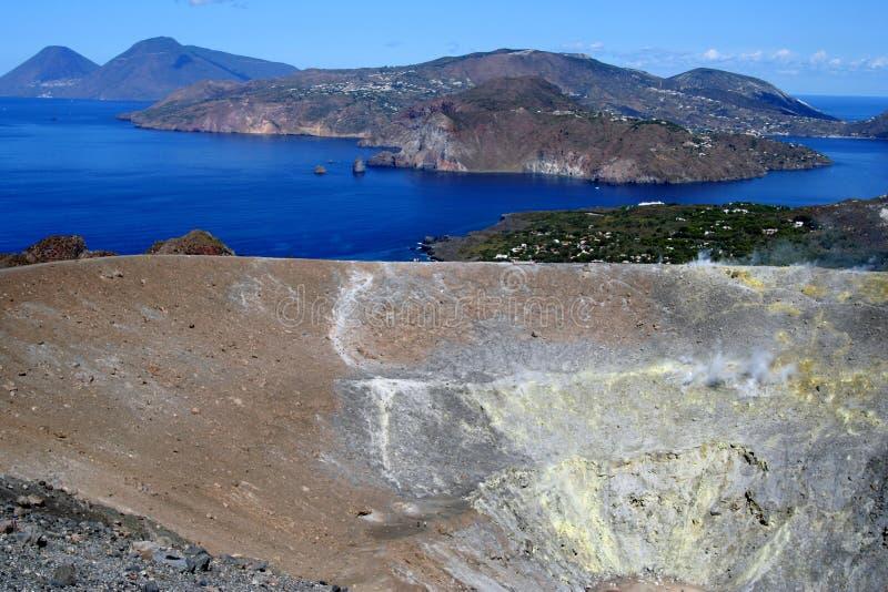 Vulkan in den äolischen Inseln stockbild