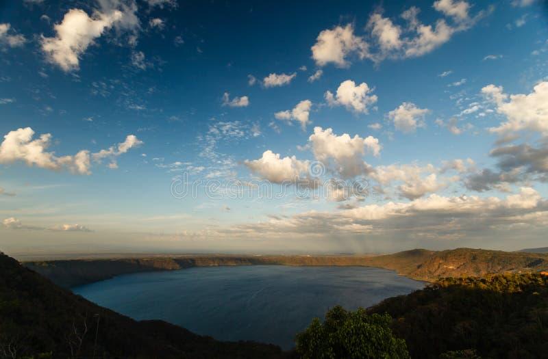 vulkan för lake för apoyokraterde dormant laguna arkivfoto