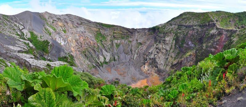 vulkan för rica för costakraterirazu royaltyfri bild