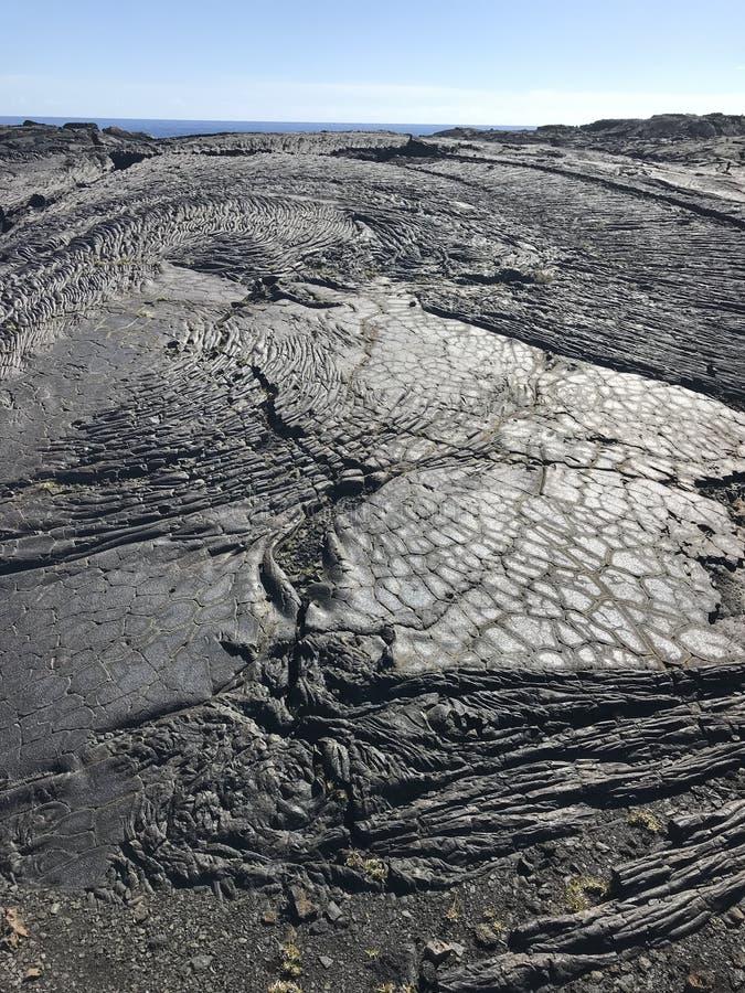 Vulkan-Nationalpark trocknete Lava nahe dem Ozean stockbild