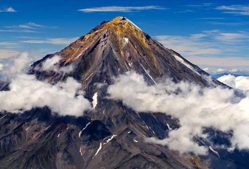 vulkan på Kamchatkaen arkivfoto