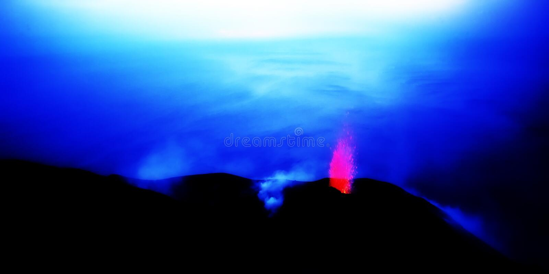 Vulkan, stromboli, Sizilien, Italien, lizenzfreies stockfoto