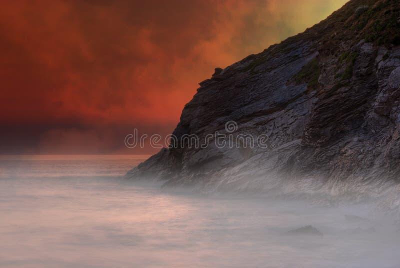Vulkanische Landschaft der Fantasie lizenzfreie stockfotos