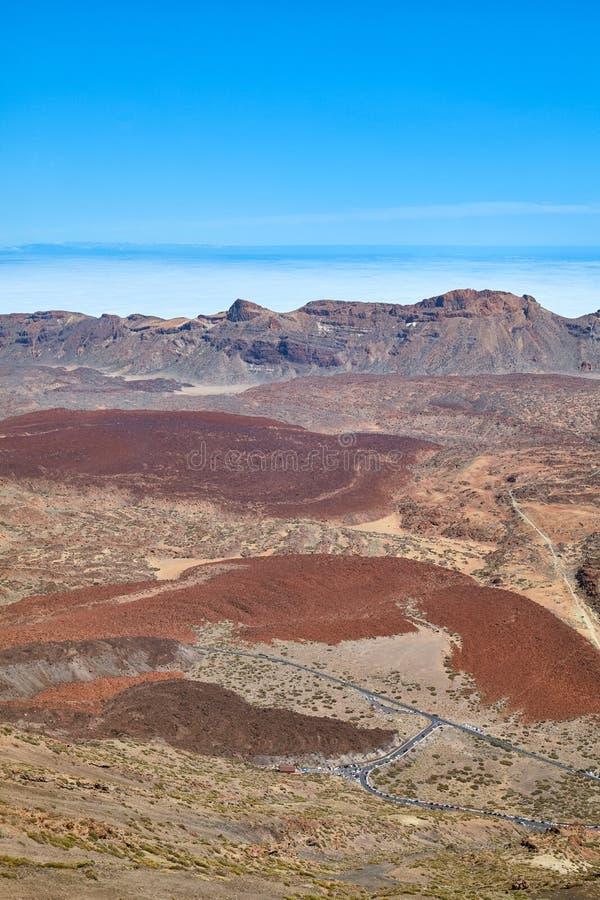 Vulkanische Landschaft gesehen vom Berg Teide, Teneriffa, Spanien stockfotografie