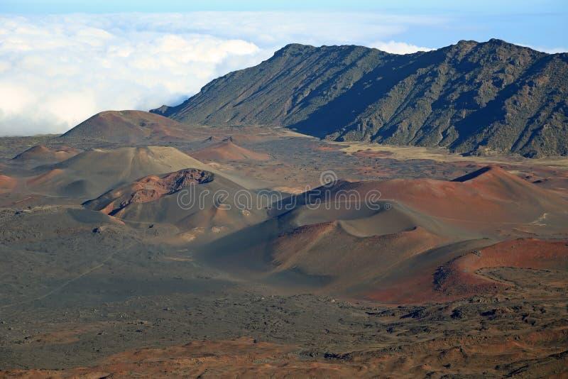 Vulkanische sintelkegels in Haleakala stock afbeeldingen