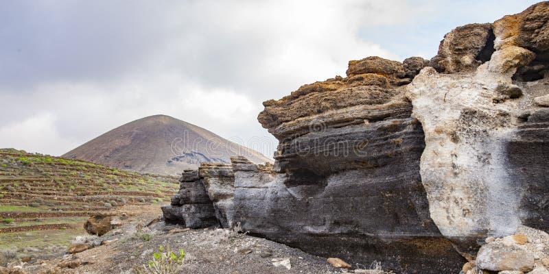 Vulkanische standbeelden op Lanzarote, royalty-vrije stock foto's