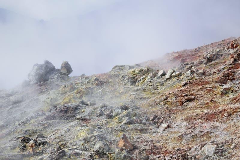 Vulkanische stoom van zwavel stock foto's