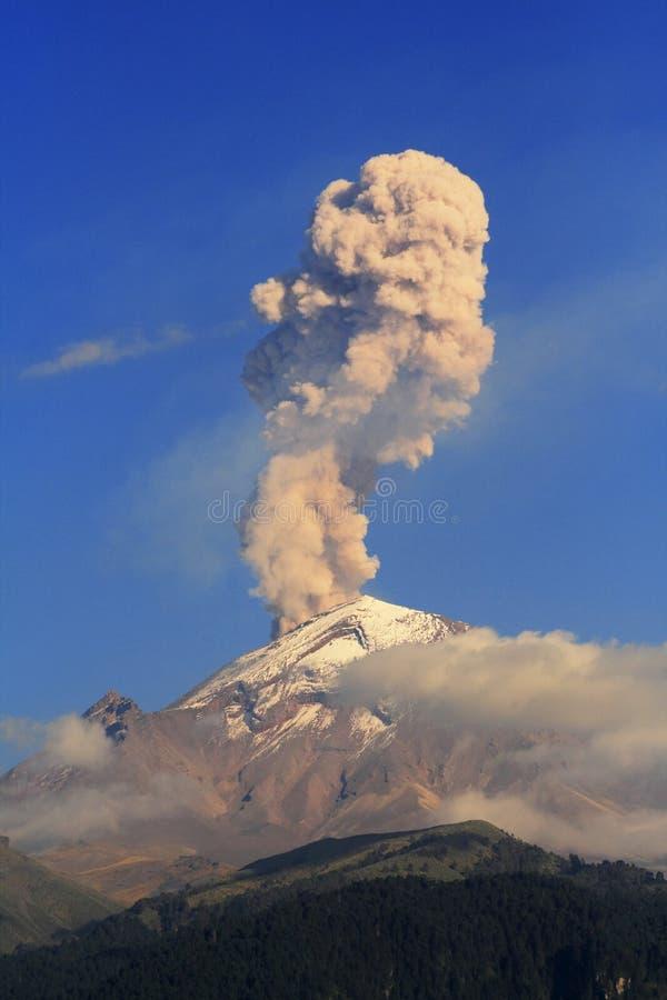 vulkanisk aska royaltyfria bilder