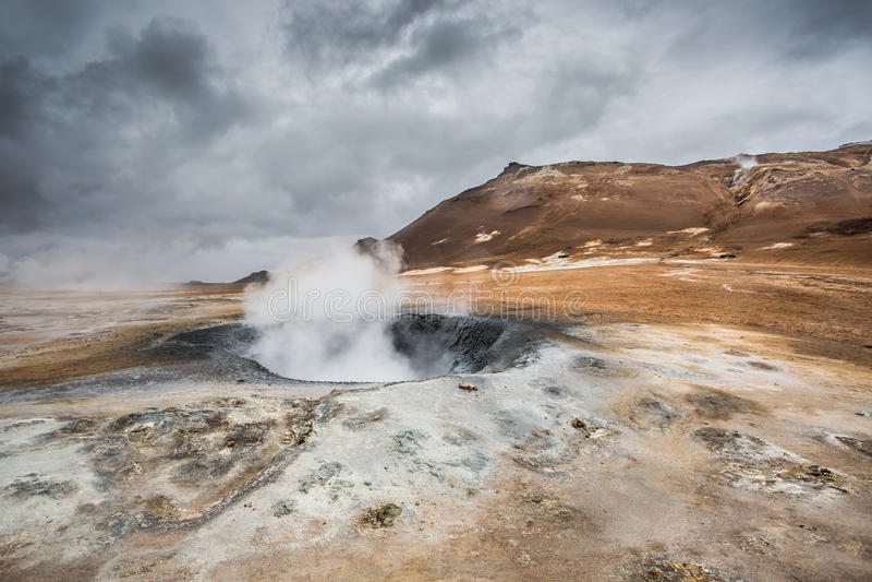 Vulkaniskt landskap, Namafjall Hverir Island royaltyfri bild