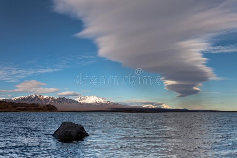 Vulkaniskt utbrott i Kamchatka, pyroclastic flöde royaltyfria bilder