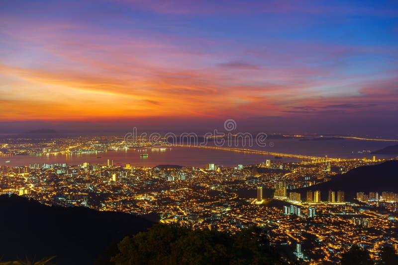 Vurige Dawn Upon Penang Island royalty-vrije stock afbeeldingen