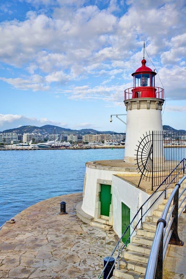 Vuurtoren in de haven van Ibiza stock afbeelding