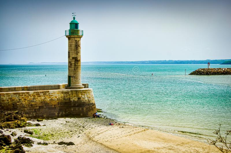 Vuurtoren op kust in Saint Brieuc in Frankrijk royalty-vrije stock foto