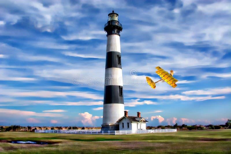 Vuurtoren van de Buitenbanken de 'Bodie Island is zeer dicht aan waar Wright Brothers eerst aan de lucht in 190 nam stock foto's