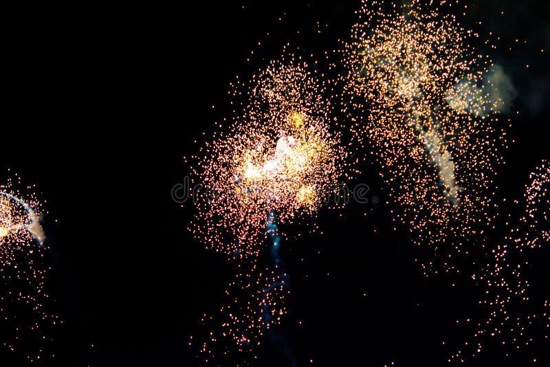 Download Vuurwerk stock foto. Afbeelding bestaande uit hoog, lancering - 39117870