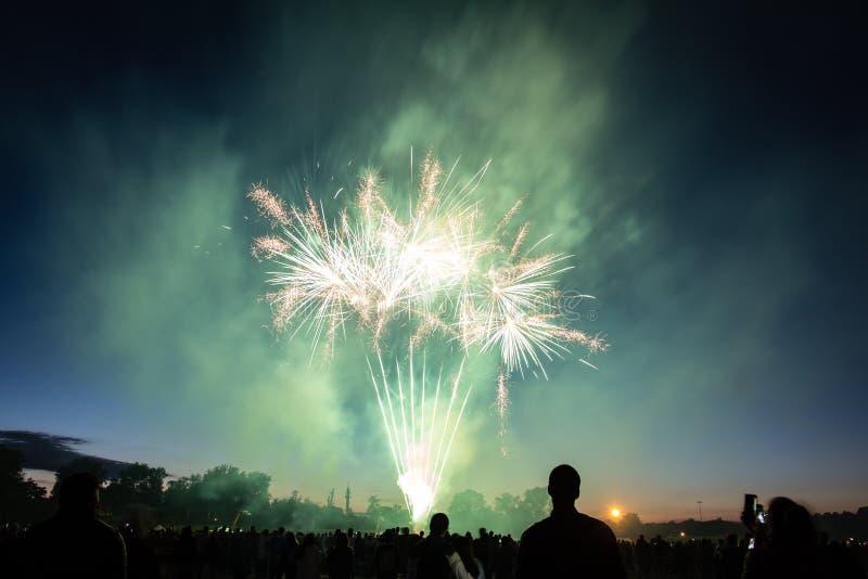 Vuurwerk in artifice à Lille van Lille - van Feu D` royalty-vrije stock foto's