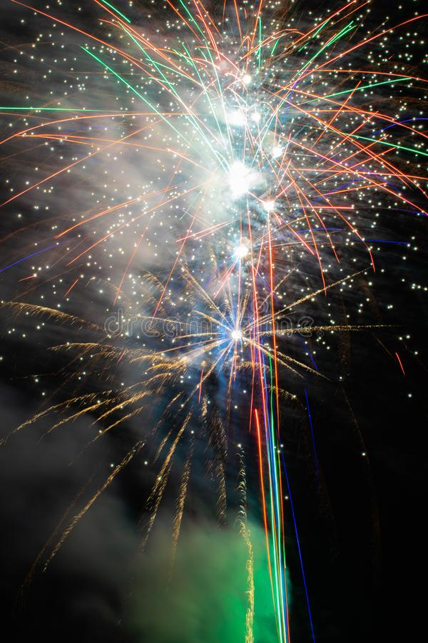 Vuurwerk in de hemel stock foto