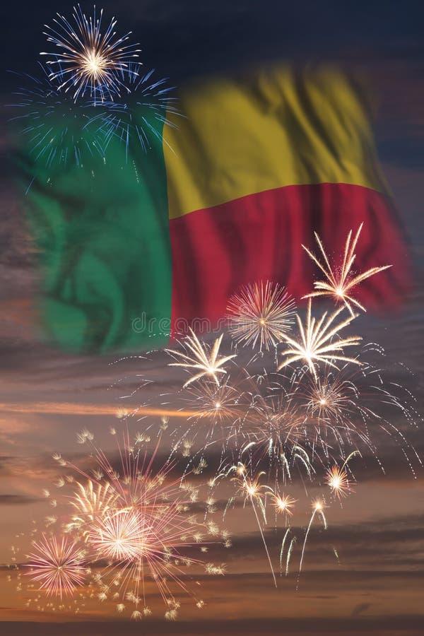 Vuurwerk en vlag van Benin vector illustratie