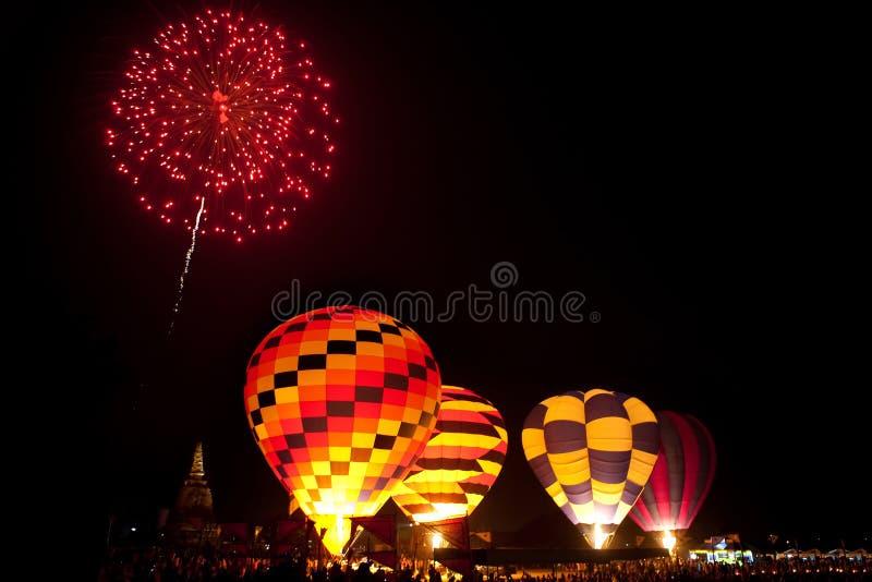 Vuurwerk in het werk, de Ballonfestival van Internationa l, Thailand royalty-vrije stock afbeelding