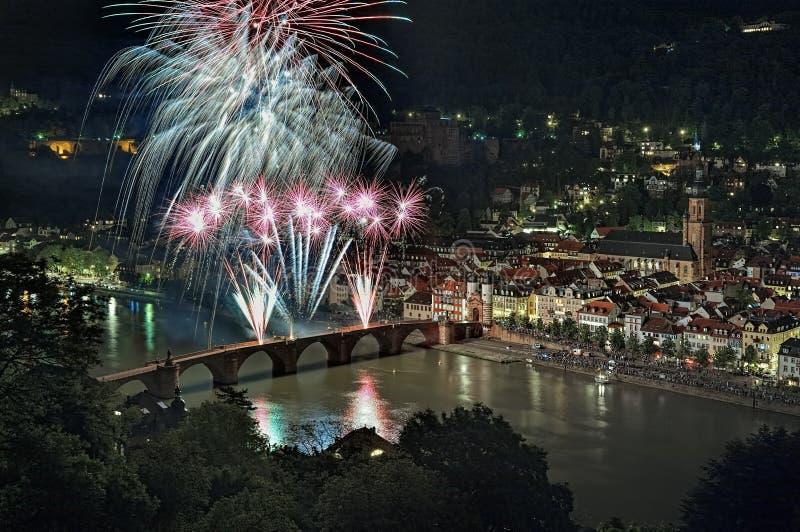 Vuurwerk in Karl Theodor Bridge in Heidelberg, Duitsland royalty-vrije stock fotografie