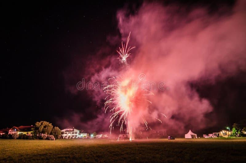 Vuurwerk met rook royalty-vrije stock fotografie