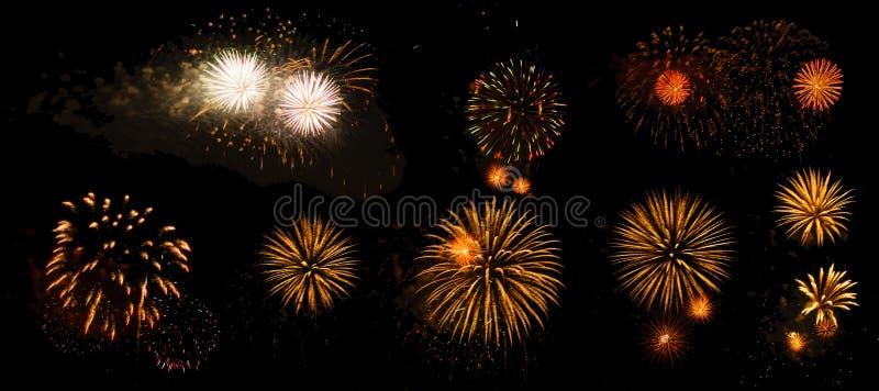 Vuurwerk op een zwarte geïsoleerde achtergrond royalty-vrije stock foto