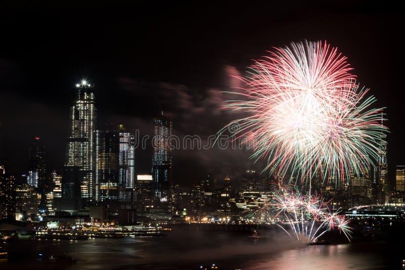 Vuurwerk op Hudson River, de Stad van New York stock foto's