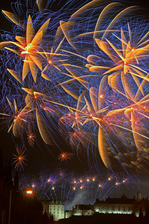 Vuurwerk over het Kasteel van Edinburgh, Schotland, Europa royalty-vrije stock fotografie